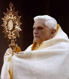 pope-benedict-with-monstrance.jpg